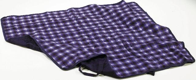 Una coperta di pile imermeabilizzata